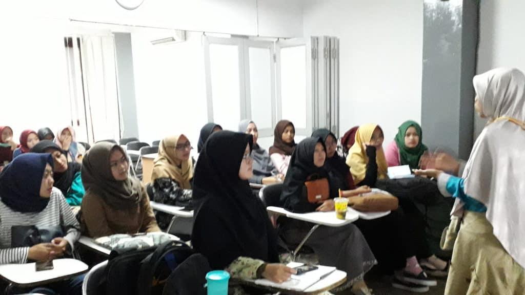 Pengalamanan Kuliah: Akuntansi Politeknik Praktisi Bandung